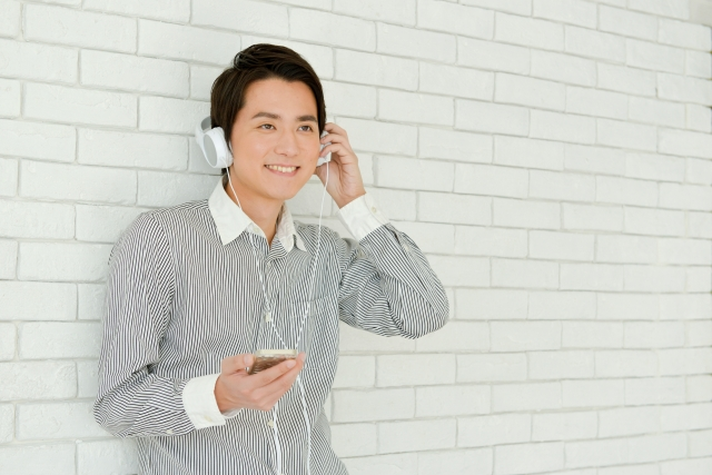 聞き流すだけで英語が話せるようになる?