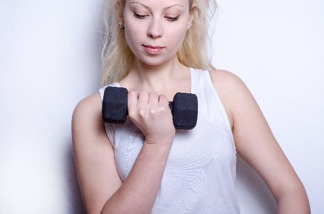 運動する女性 ガチすぎる正統派英会話教材【Nativebuster pro】