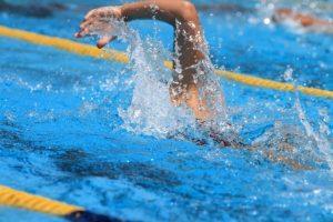 """『スイミングスクールに行くつもり』は """"I am meaning to go to a swimming school"""""""