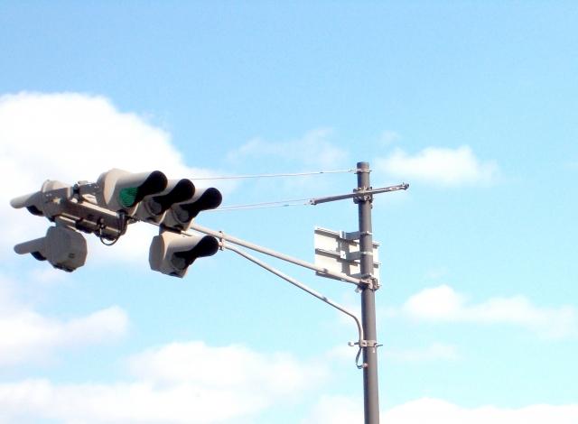 そこの信号で左折、など指さしながら英語で道案内